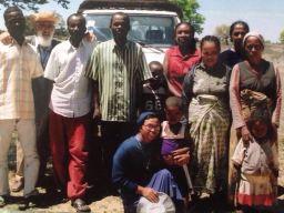 Dirigentes de FMF y cristianos que se organizan para ayudar a su pueblo