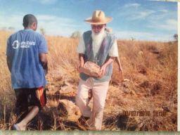 Buscando piedras para construir la iglesia VIRGEN PEREGRINA