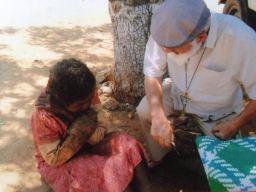 A través de Padre Manuel Garrido, siempre cercanos a los más pobres e indefensos